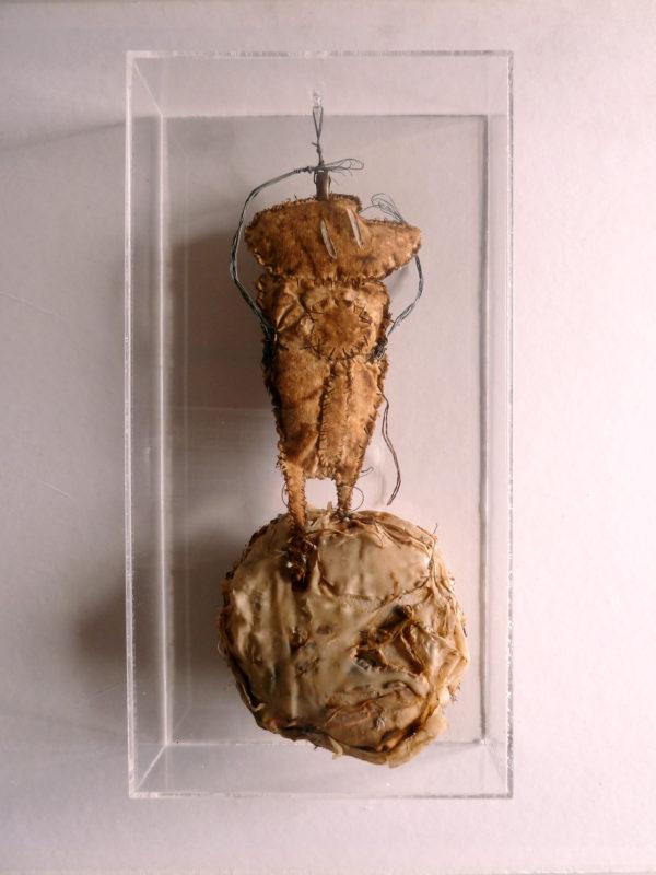 Patrizia Trevisi - Guerriero, Guerriero, archetipo, arte tessile, astrazione organica, bassorilievo, Bassorilievo tessile, carne, fiber art, mito, organi, ready made, tecnica mista, texture